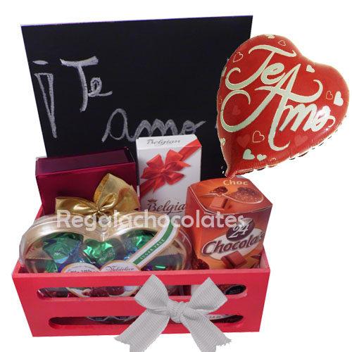 Pizarra con frase Amor con chocolates a domicilio en santiago