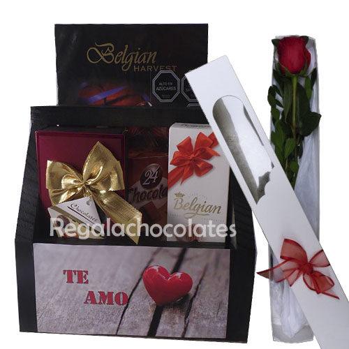 Caja Negra te amo con chocolates a domicilio