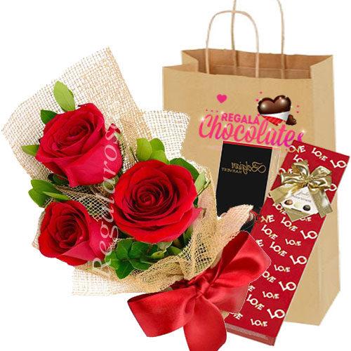 Chocolates con Ramo rosas rojas adomicilio en santiago