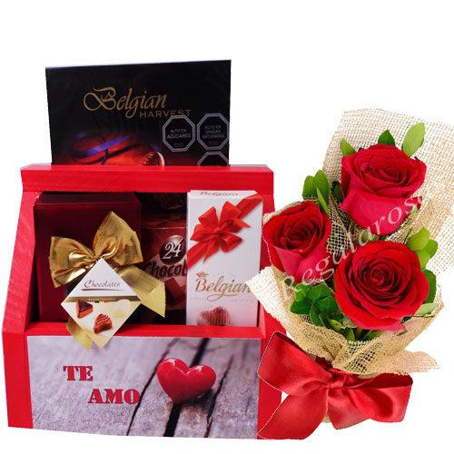 Chocolates con caja Personalizada y 3 rosas a domicilio en santiago